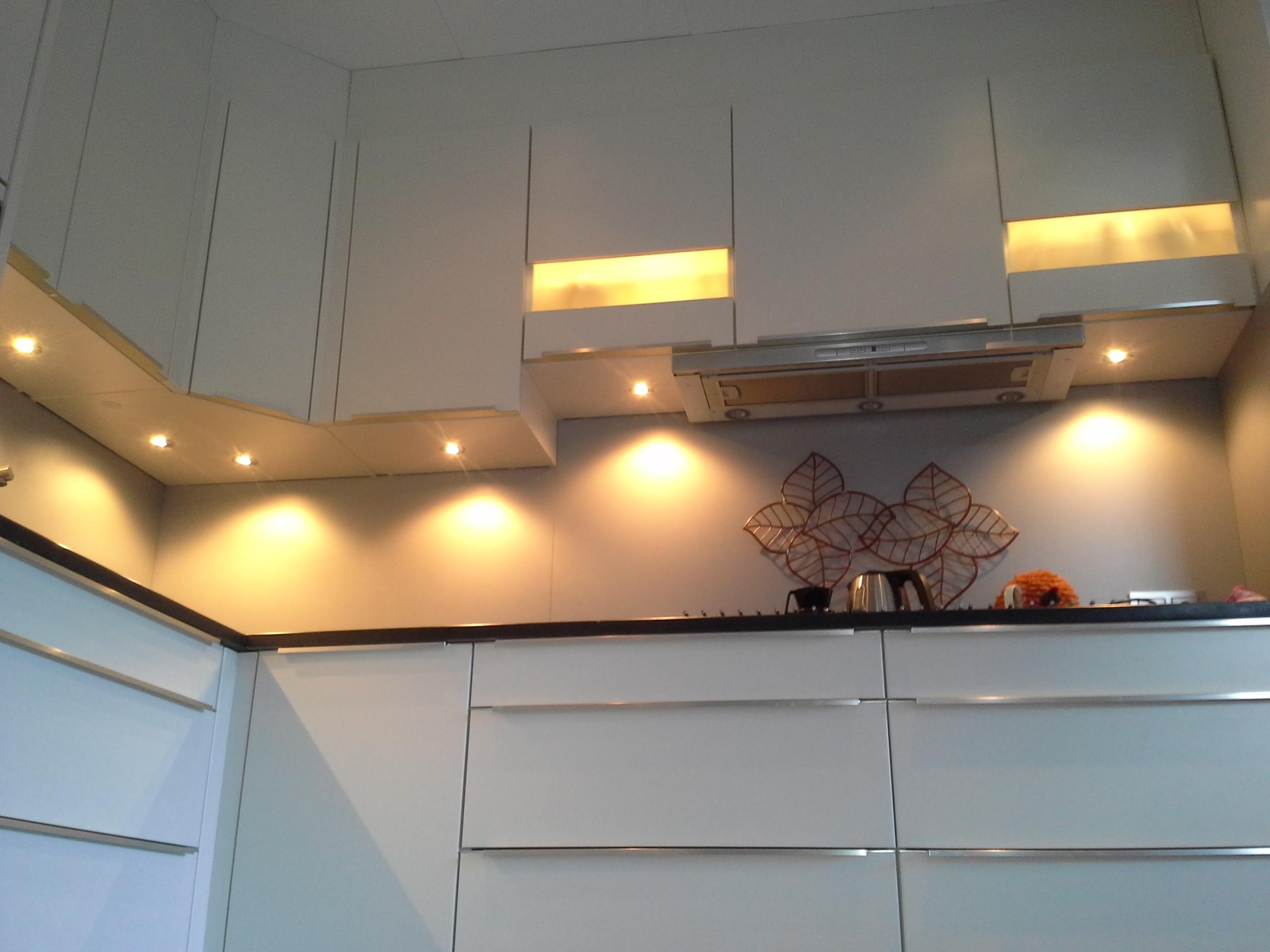 Led Spots Keuken : Soldaat elektrotechniek keuken voorzien van led spots